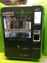 Alberts Smoothies Automat Belgium Fruit Logistica Messe Gelaende Berlin unter dem Funkturm Berichterstatter
