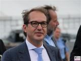 Alexander Dobrindt Gesicht face Kopf BM Rundgang ILA Berlin BER Schoenefeld International Aerospace Exhibition