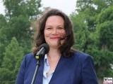 Andrea Nahles Gesicht face Kopf Promi Arbeits Sozialministerin Kabinett Merkel Klausur Tagung Garten Schloss Meseberg Gaestehaus Bundesregierung