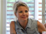 Annette Frier als Angie in SAT1 SCHLIKKER FRAUEN Berlin Spandau
