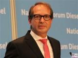 BM Alexander Dobrindt Gesicht Portrait Kopf Diesel Gipfel BMVI Berlin Invalidenstrasse Berichterstatter