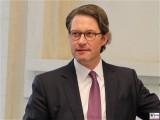 BM Andreas Scheuer Gesicht Pressekonferenz BMWi BMVI Wirtschaftsministerium Berlin Scharnhorststr Invalidenstr Berichterstattung TrendJam