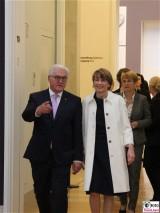 BPr Frank-Walter Steinmeier, Ehefrau Elke Buedenbender Museum Barberini Ausstellung Hinter der Maske Kuenstler in der DDR Alter Markt Potsdam Berichterstatter