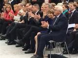 BPr Frank-Walter Steinmeier, Elke Buedenbender winkt Buergerfest Schloss Garten Bellevue Ehrenamt Berlin Bundespraesident Tag der offenen Tuer Berichterstatter