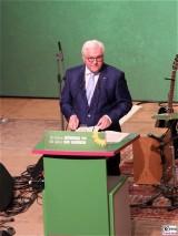 BPr Steinmeier Rede Buehne Podium Motorwerk Berlin Jubilaeumsfeier 30 40 Jahre BUENDNIS, DIE GRUENEN Weissensee Berlin Berichterstattung Trendjam