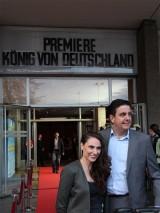 Bastian Pastewka Frau Heidrun Buchmaier Gast Premiere Koenig von Deutschland Berlin Kino International Karl Marx Allee