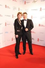 Bettina Boettinger Guido Maria Kretschmer Moderatoren 13. Künstler gegen Aids GALA 2013 Stage Theater des Westens Berlin