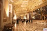 Bildergalerie Galeriesaal Besucher Gaeste Gemaelde Schloessernacht Sanssouci Potsdam Rokoko Berichterstatter