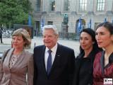 Bundespraesident Joachim Gauck, Daniela Schadt, selmin Caliskan Gesicht Face Kopf Amnesty Deutschland Verleihung Menschenrechtspreis Maxim Gorki Theater Berlin