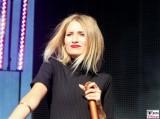 Carolin Niemczyk Buehne Gesicht face Kopf Promi Glasperlenspiel REWE family Familien Event Berlin Festplatz
