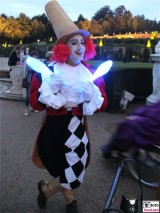Clown Kostuem Kleider Schloessernacht Park Sanssouci Potsdam Hauptweg Rondell Berichterstatter