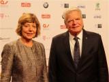 Daniela Schadt, Joachim Gauck Gast Gesicht face Promi Goldene Victoria 2018 Preis VDZ Publishers Night 18 Gala der Zeitschriften Verleger Berichterstattung TrendJam