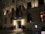 Eingang Hotel de Rome Nacht Behrenstraße 37, 10117 Berlin Praesentation Lambertz Fine Art Kalender 2016 La Dolce Vita