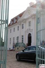 Fassade Seite Tor Front Schloss Meseberg Deutschland Empfang Diplomatisches Corps Gransee Berichterstattung