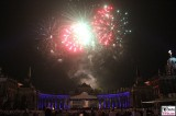 Feuerwerk Neues Palais Communs Mopke Buehne Zuschauer Schloessernacht Beleuchtung Illumination Potsdam Schlosspark