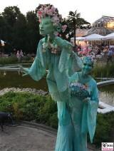 Figur Elfe Animation Schauspieler Botanische Nacht Berlin Dahlem Botanischer Garten Magische Natur Welten Berichterstatter