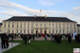 Gaeste Gartenseite Schloss Bellevue Berlin Bundespraesident Buergerfest Park Ehrenamt