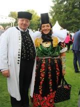 Gaeste Tracht Buergerfest Amtssitz Garten Schloss Bellevue Berlin Berichterstattung TrendJam