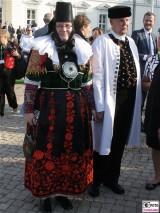 Gaeste Trachten Schloss Bellevue Buergerfest Schlosspark Berlin Bundespraesident Berichterstatter