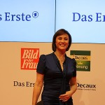 Goldene Bild der Frau Sandra Maischberger Berlin Axel Springer Haus