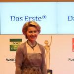 Goldene Bild der Frau Ursula von der Leyen Berlin Axel Springer Haus