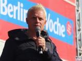 Guido Cantz Buehne Gesicht face Kopf Promi REWE family Familien Event Berlin Festplatz