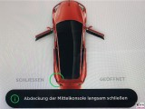 Hinweis Tesla Model 3 Dual Motor P Tablett Abdeckung der Mittelkonsole langsam schliessen PresseFoto Elektromobilitaet Berichterstattung