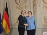 I.E. Anne-Marie Descôtes Botschafterin Frankreich in Deutschland Diplomatisches Corps Empfang Schloss Meseberg Berichterstattung