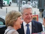 Joachim Gauck, Daniela Schadt Gesicht Face Kopf Amnesty Deutschland Verleihung Menschenrechtspreis Maxim Gorki Theater Berlin