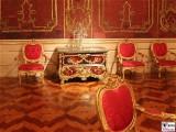 Kommode Kambly 1765 Tressenzimmer Schildpatt vergoldete Bronze Knabe Reiher Fruechte Neues Palais Schloessernacht Sanssouci Potsdam Rokoko Berichterstatter