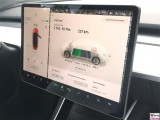 Laden Tesla Model 3 Dual Motor P Tablett Stecker fahrzeugseitig Typ 2, ladestationsseitig Typ 2 PresseFoto Elektromobilitaet Berichterstattung