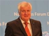 MP Horst Seehofer Gesicht Portrait Kopf Diesel Gipfel BMVI Berlin Invalidenstrasse Berichterstatter