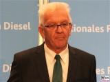 MP Winfried Kretschmann Gesicht Portrait Kopf Diesel Gipfel BMVI Berlin Invalidenstrasse Berichterstatter