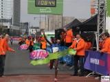 Melly Kenia-37-Berliner-Halb-Marathon-2.4.2017-Hauptstadt-Medaillen-Berichterstatter-Trendjam
