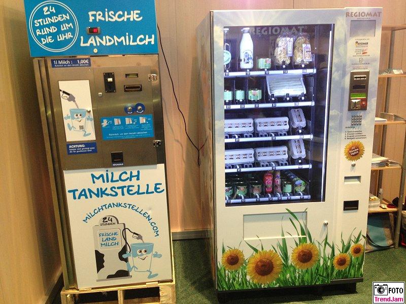 Milchtankstelle Frische Landmilch Regiomat Gruene Woche Berlin 2015