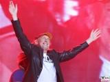 Otto Waalkes Buehne-winkt Promi-Panik-Rocker-Waldbuehne-Arena-Berlin-Berichterstatter
