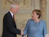 S.E. Stéphane Dion Gesicht Botschafter Kanada in Deutschland Diplomatisches Corps Empfang Meseberg Berichterstattung