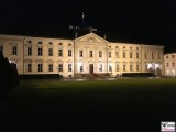 Schloss Bellevue Abend Buergerfest Schloss Vorgarten Ehrenamt Berlin Bundespraesident Tag der offenen Tuer Berichterstatter