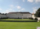 Schloss Bellevue Strassenseite Empfang Prince William Duke of Cambridge, Catherine Duchess of Cambridge Bundespräsident Berlin Berichterstatter