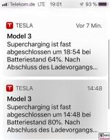 TESLA APP Model 3 Dual Motor Performance App Ladezustand PresseFoto Elektromobilitaet Berichterstattung