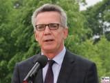 Thomas de Maizière Gesicht Kopf face Promi Kabinett Merkel Klausur Tagung Garten Schloss Meseberg Gästehaus Bundesregierung