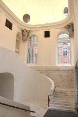 Treppenhaus Stadtschloss Potsdam rechts Vestibuel Marmortreppe Haupteingang weisser Marmor Fußboden