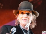 Udo Lindenberg Gesicht Promi face Laechelt ohne Brille Mikro Panik Rocker Olympia Stadion Tour Arena Berlin