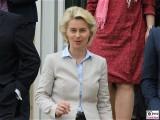 Ursula von der Leyen Bundesministerin der Verteidigung Kabinett Merkel Klausur Tagung Garten Schloss Meseberg Gaestehaus Bundesregierung